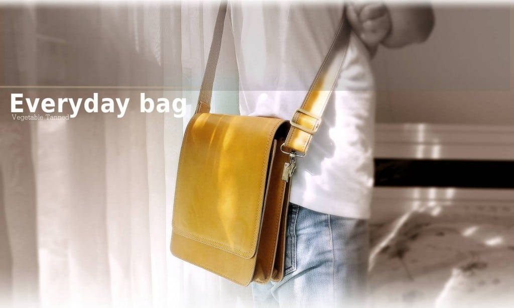 กระเป๋าหนังฟอกฝาด Everyday bag