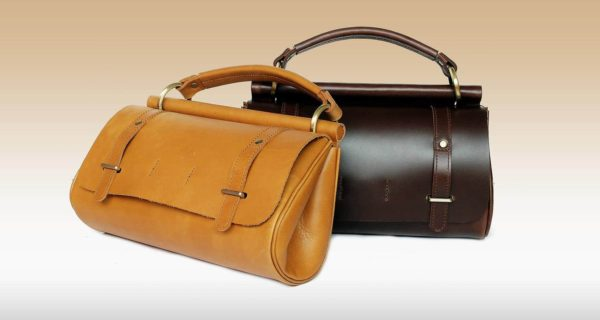 กระเป๋าถือ แบบมีสายสะพาย