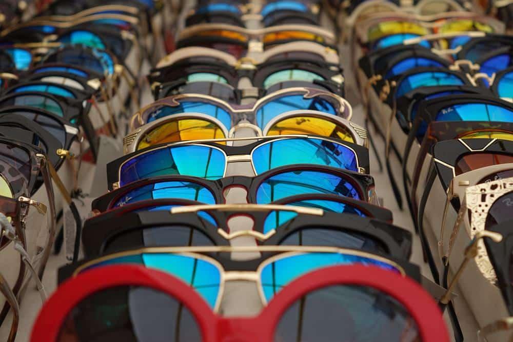 รุ่นของ แว่นตากันแดด หลากหลาย