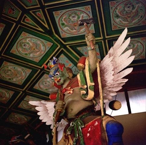 ลุ่ยกง (雷公) หรือเทพเจ้าแห่งสายฟ้า